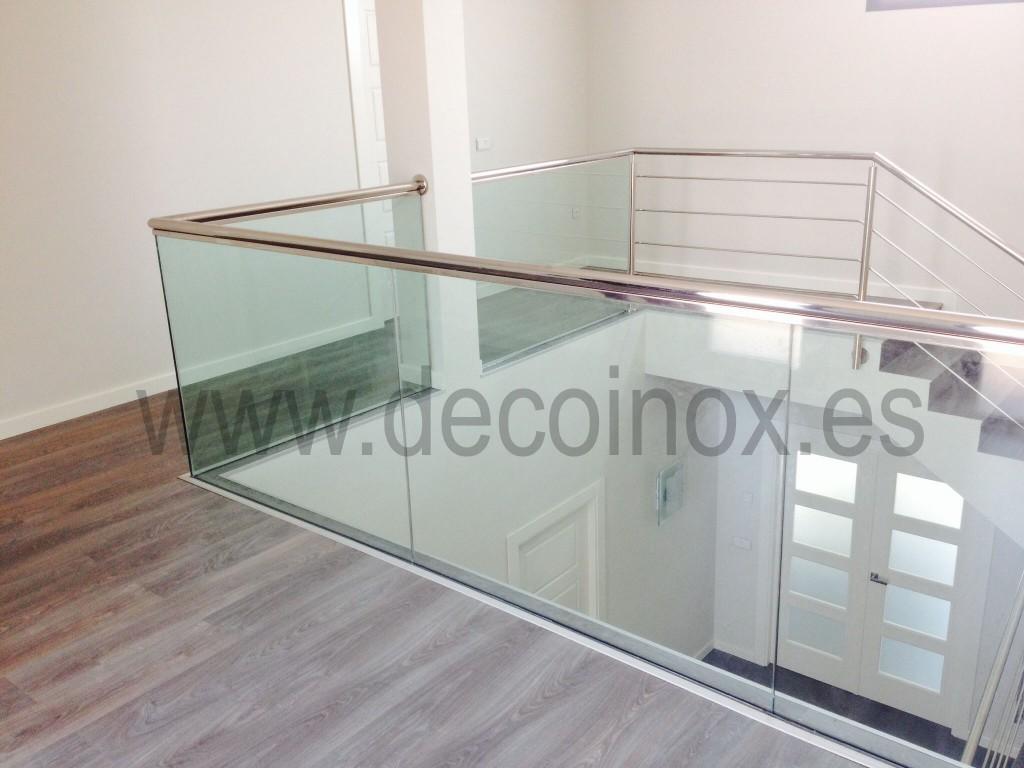 Barandillas acero inoxidable y vidrio decoinox for Barandas de vidrio y acero